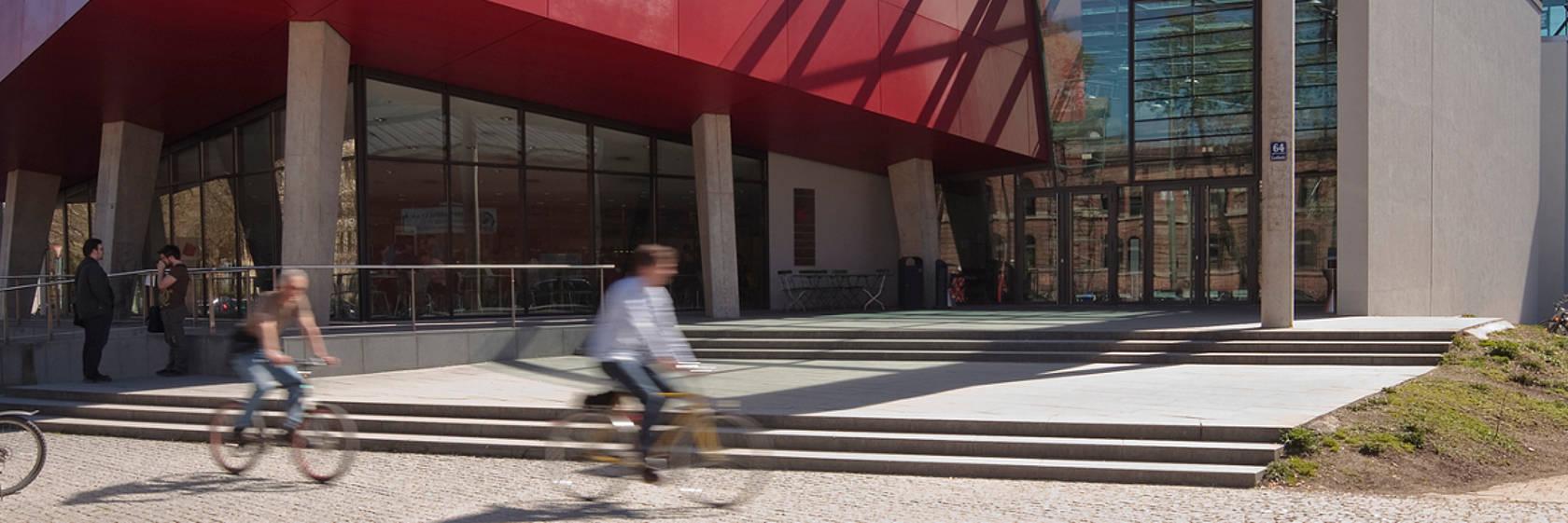 Haupteingang Hochschule München (Foto: Hochschule München)